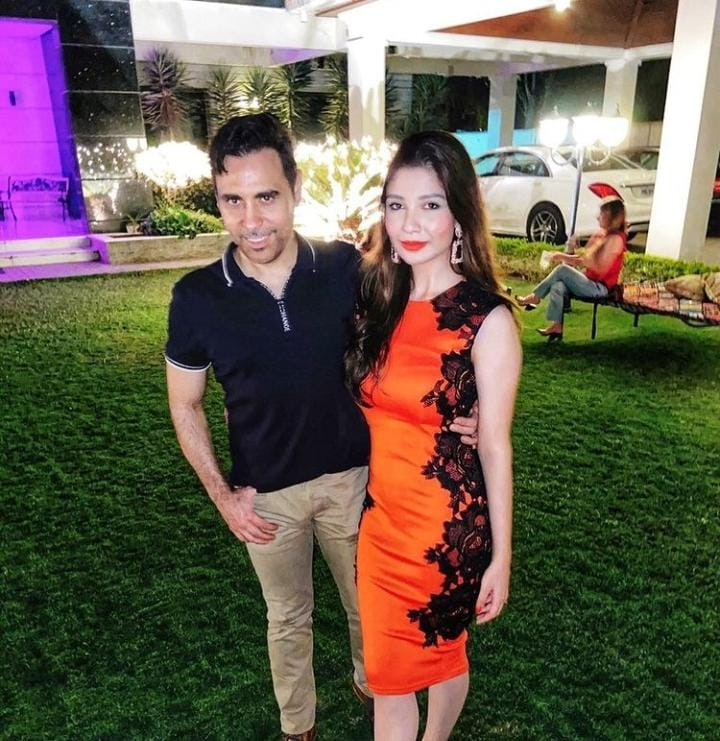 Singer Haroon Rashid's Pictures With His Beautiful Wife