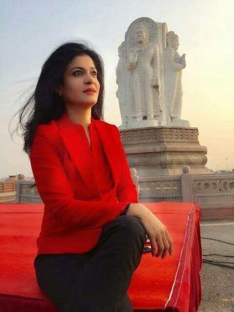 Anjana Om Kashyap Husband - 10 Alluring Pictures