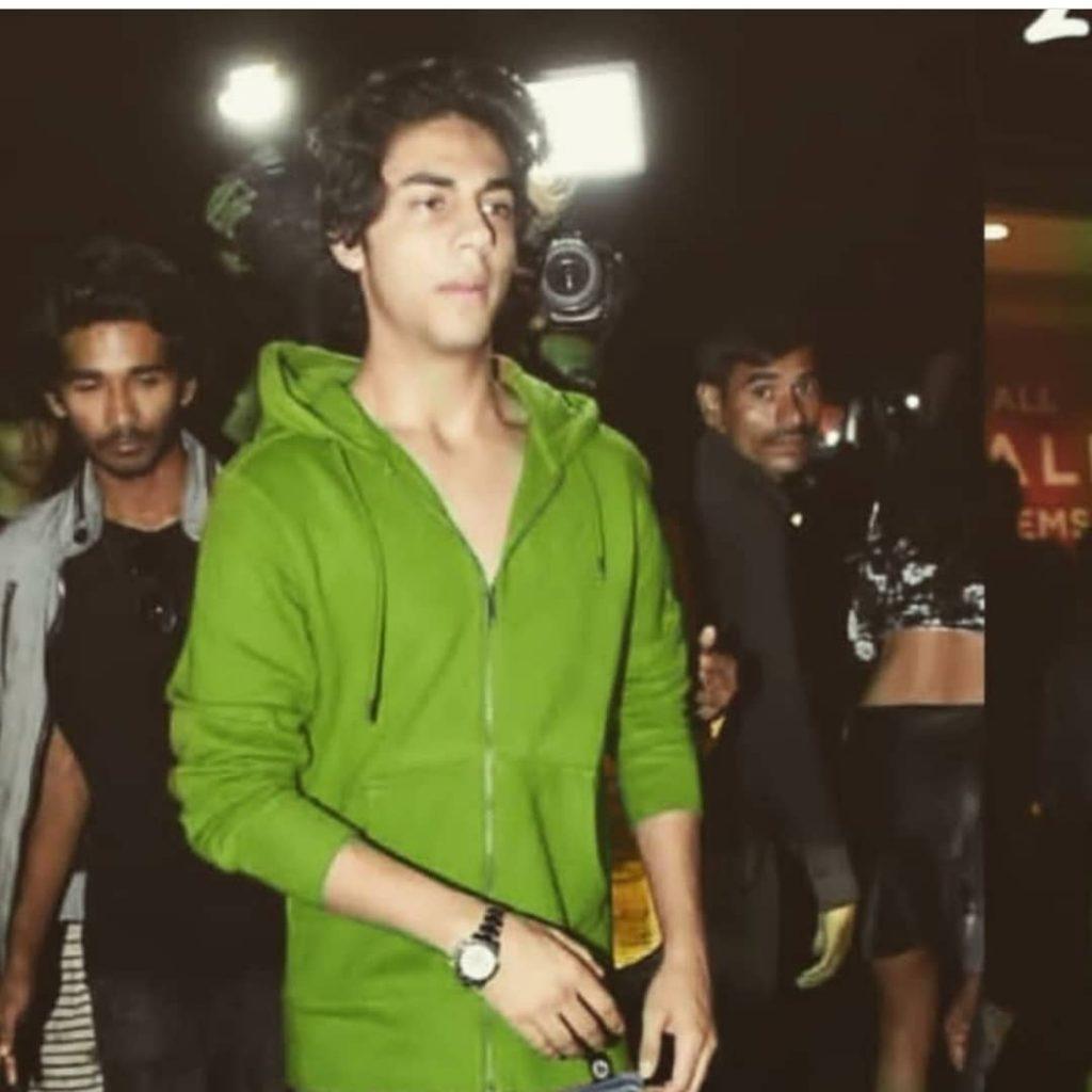 Shahrukh Khan Son   10 Praiseworthy Pictures