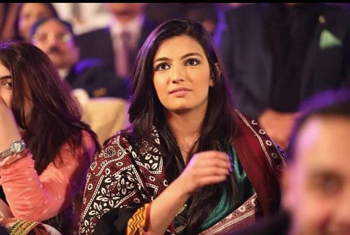 Five Times Asifa Bhutto Looked Like Her Mother Benazir Bhutto