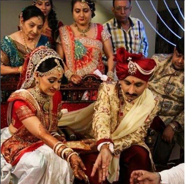 Disha Vakani Husband | 10 Bewitching Pictures