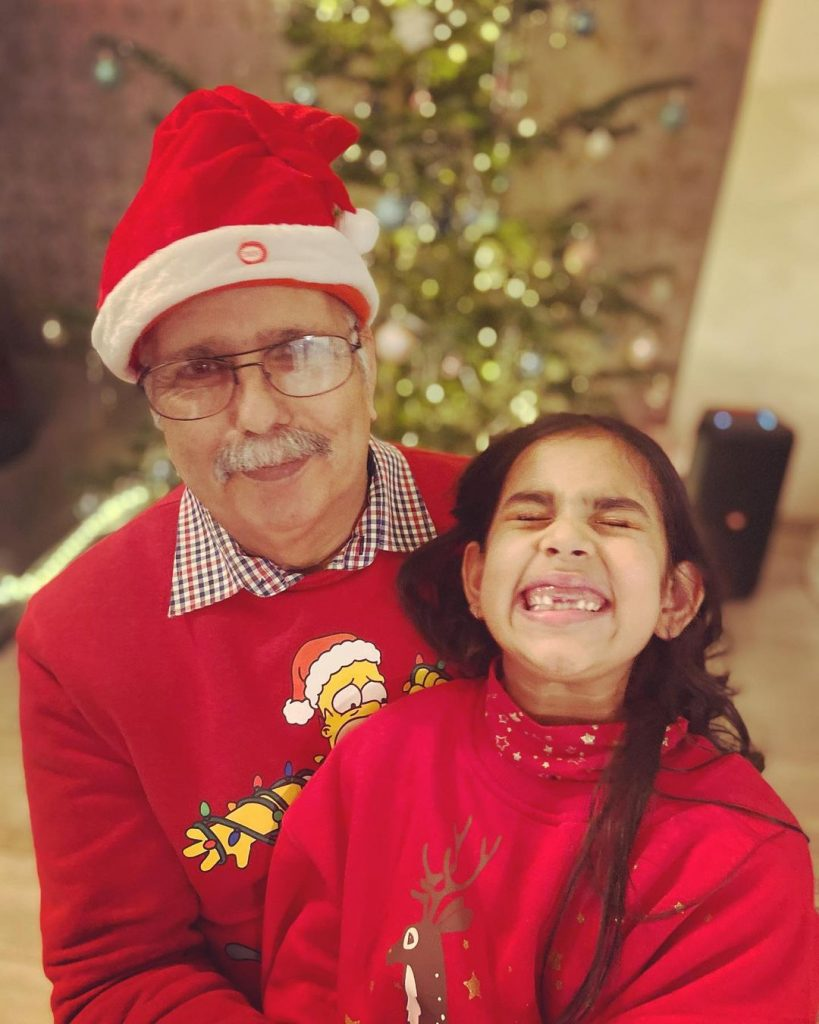 Fia Khan's Christmas Pictures With Family