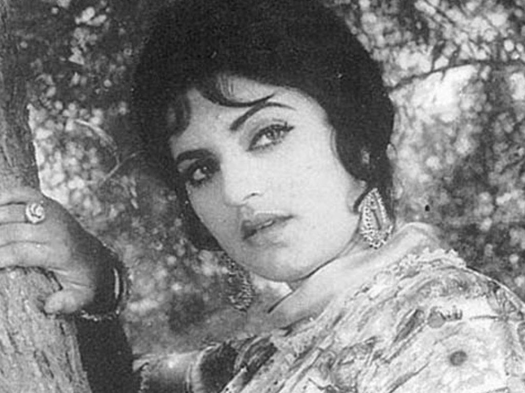 Bushra Ansari Pays Tribute To The Legendry Firdous Begum