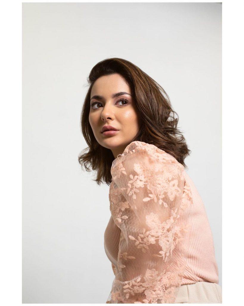 Glimpse of the Winter Wardrobe of Hania Aamir
