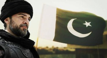 Engin Altan famous as Ertugrul arrived in Pakistan