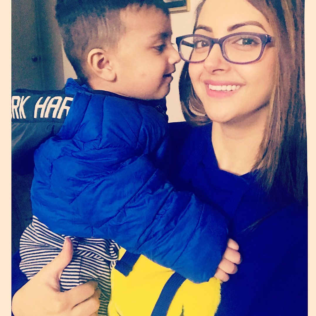 Moomal Khalid with her Family - Latest Pictures