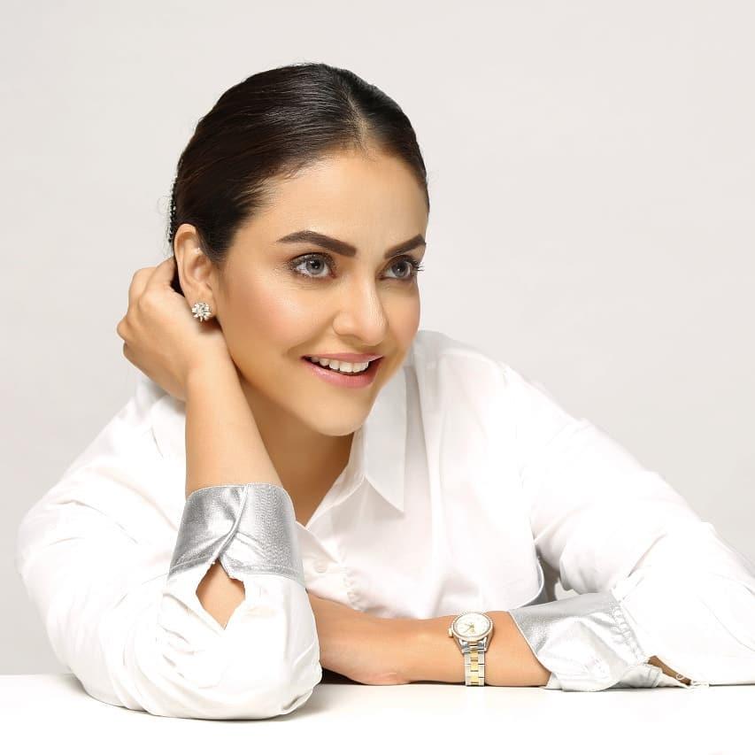 Nadia Khan Got Engaged