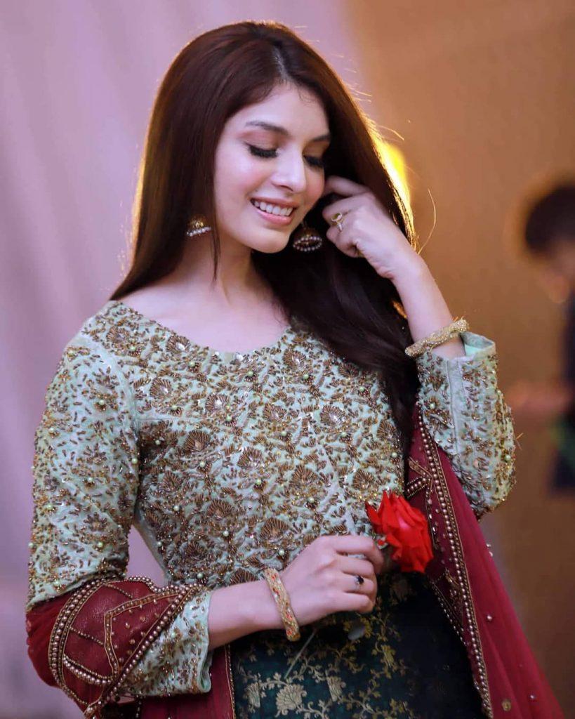 Saeeda Imtiaz's Dance Performance At Her Friend's Dholki