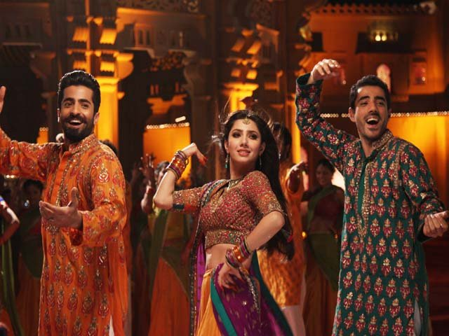 American Social Media Star Ricky L. Pond Dancing On Pakistani Song