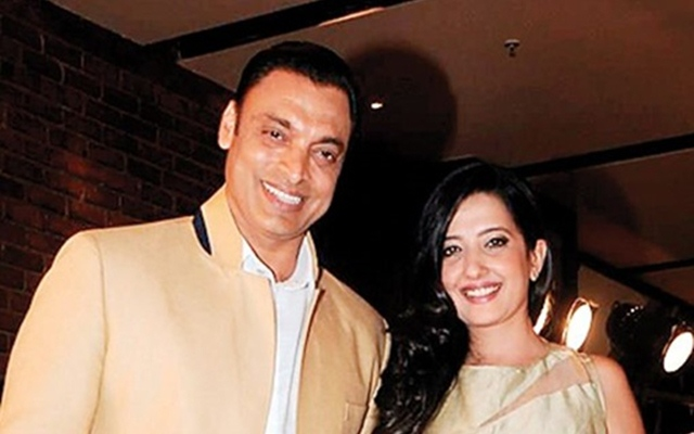 Why Shoaib Akhtar's Wife Is Not Seen With Him?