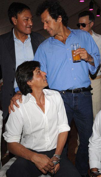 Why Imran Khan Scolded Shahrukh Khan?