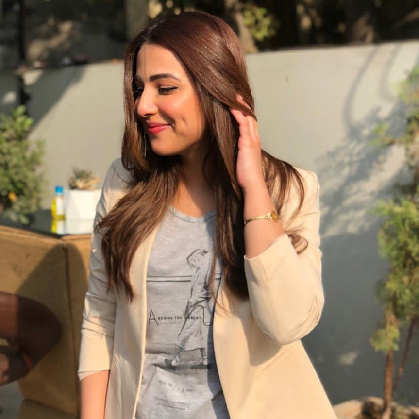 Best Pictures of Ushna Shah in Western Attire