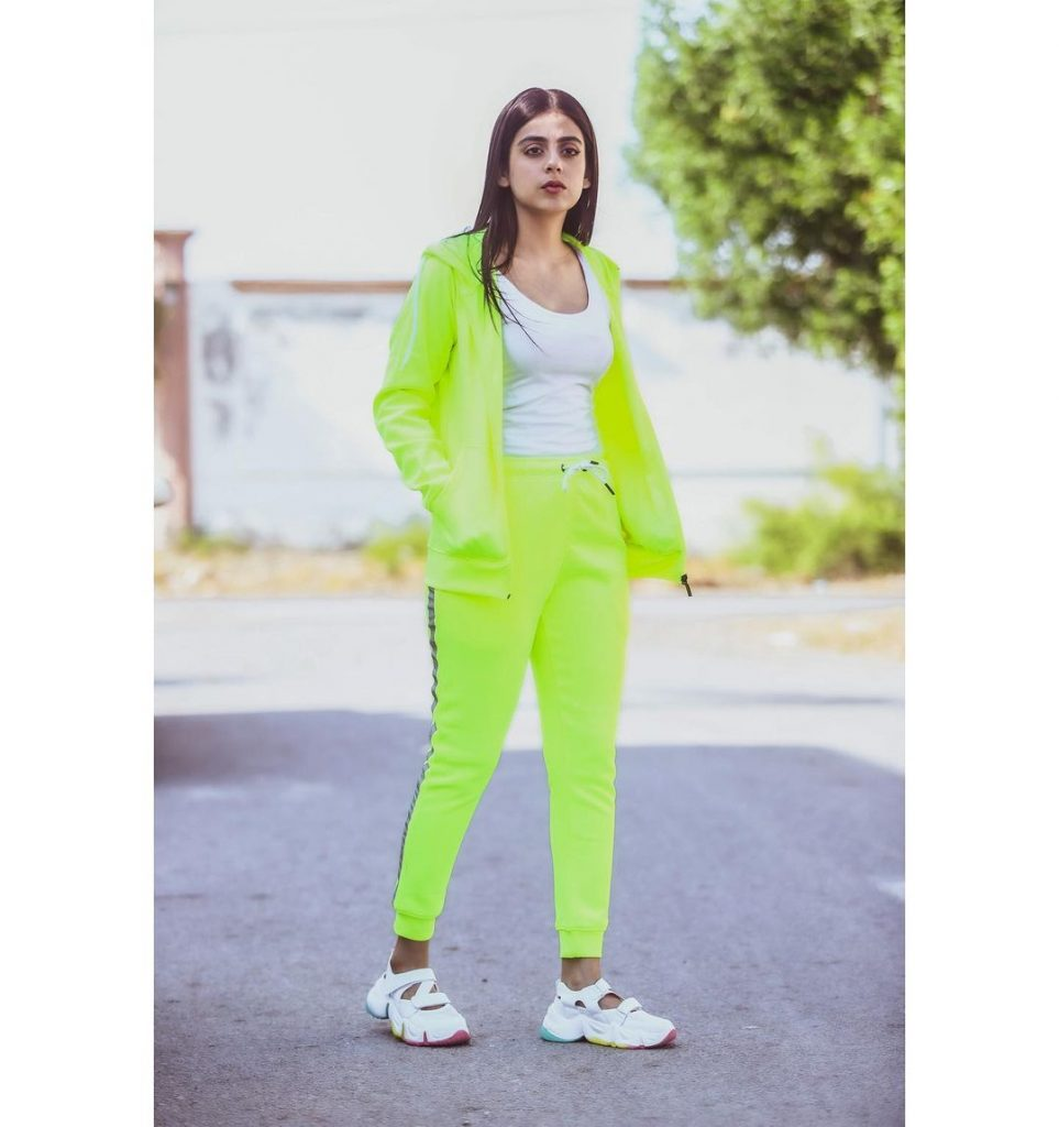 Yashma Gill Looks Super Chic In Long Turtleneck Outfit