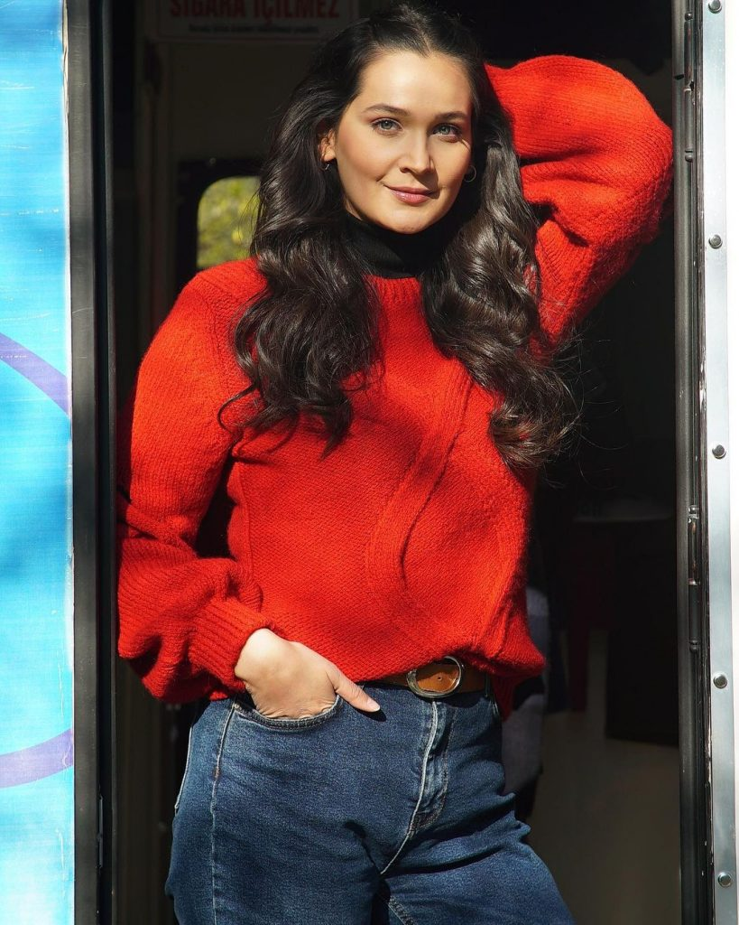 Ertugrul Actress Gulsim Ali Shines Bright In Latest Pictures