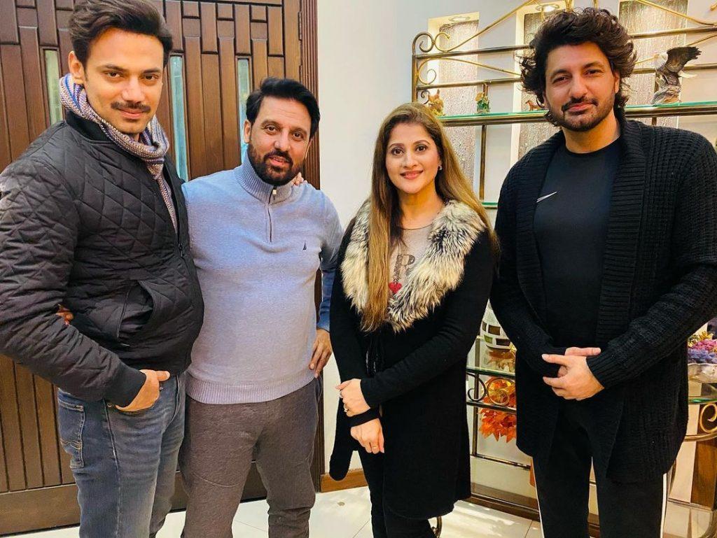 Sahiba Rambo Hosts Dinner For Cast And Crew Of Ghabrana Nahi Hai