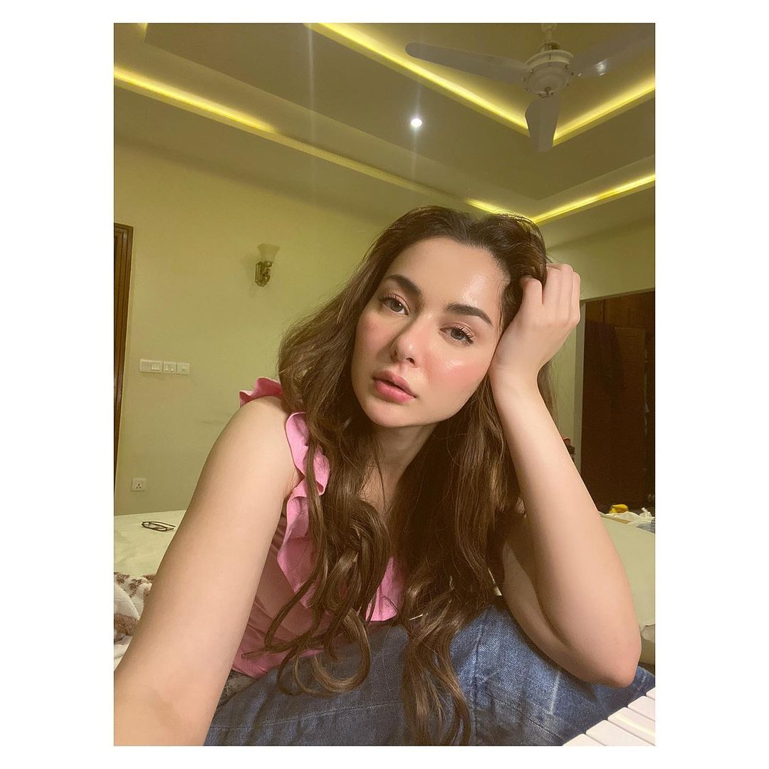 Latest Pictures of Gorgeous Actress Hania Aamir from Dubai