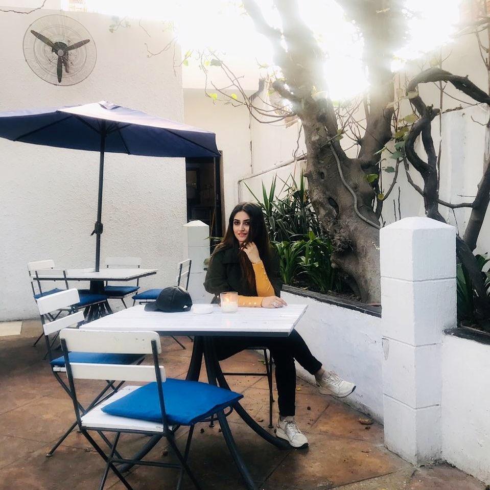 Latest Pictures Of Beautiful Hiba Bukhari