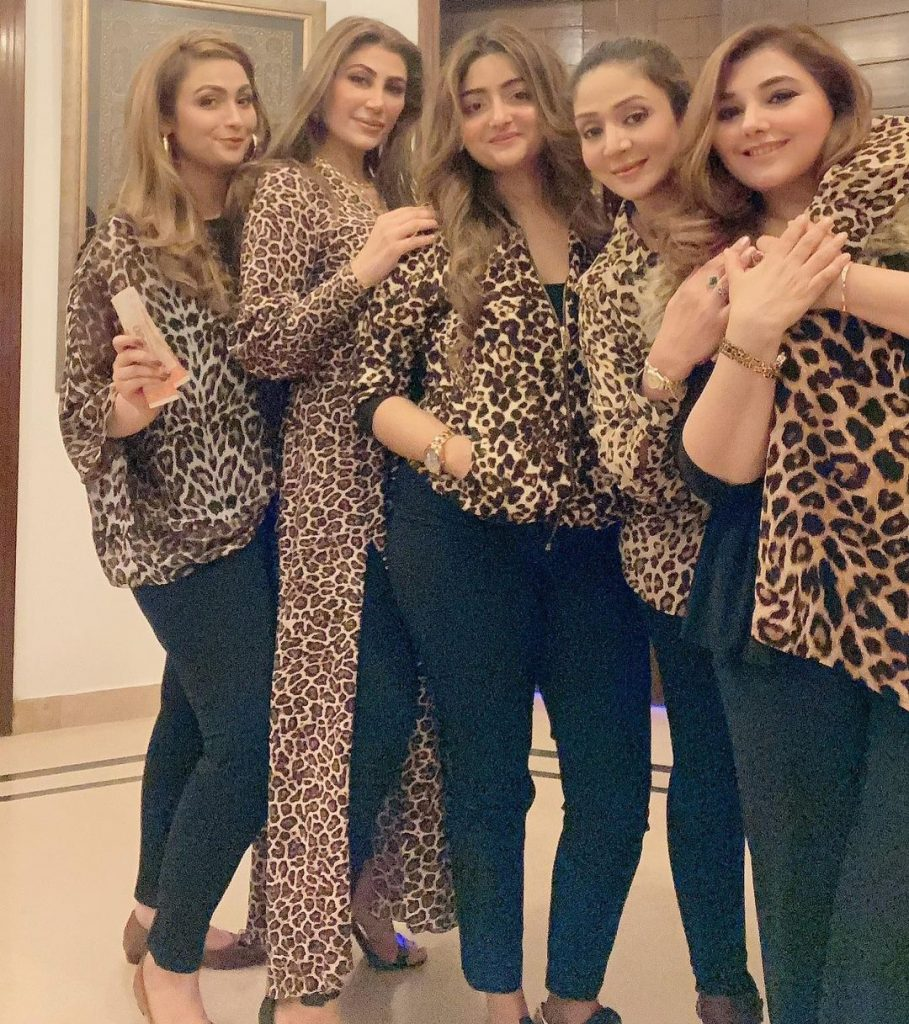 Javeria Saud Pictures With Friends