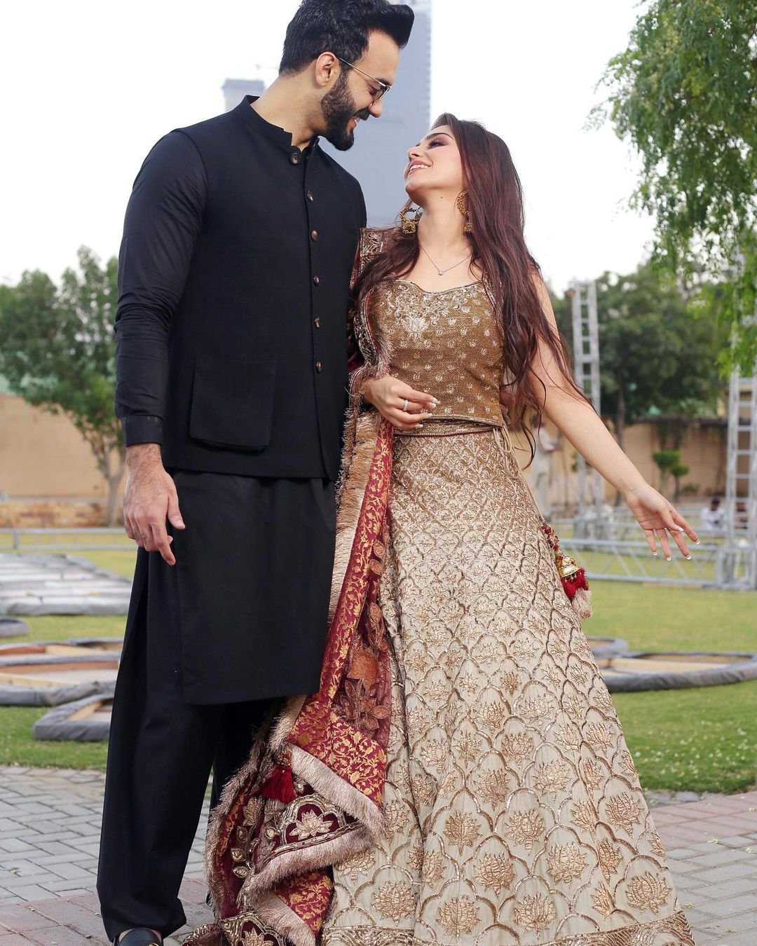 New Pictures of Komal Baig with her Husband