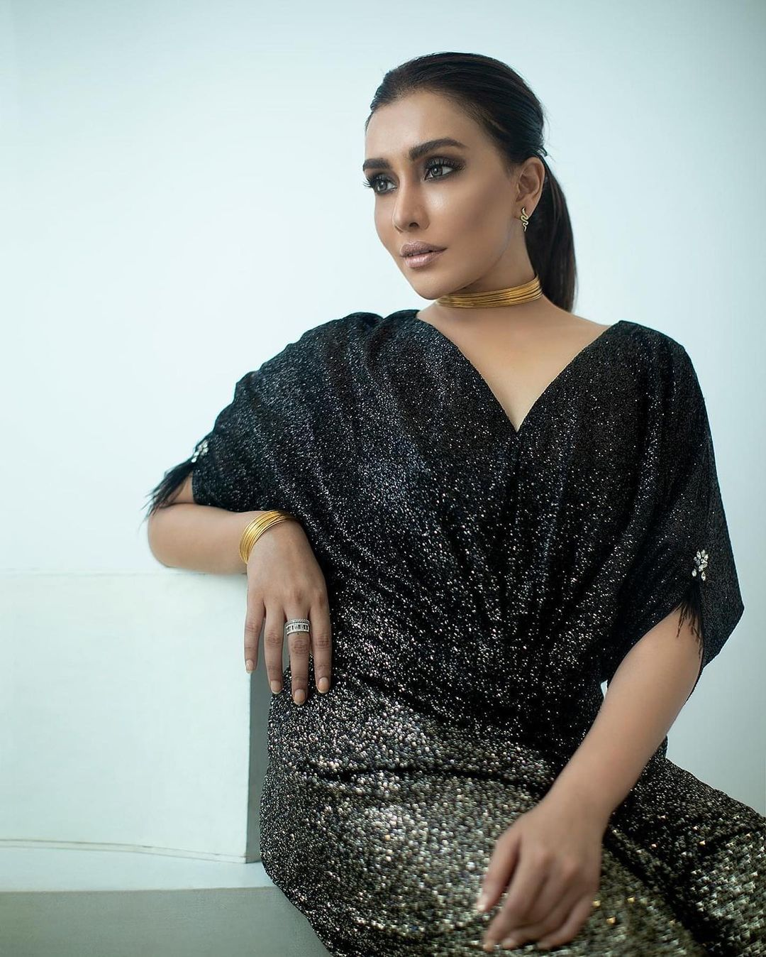 Actress Maira Khan Latest Clicks From Her Instagram