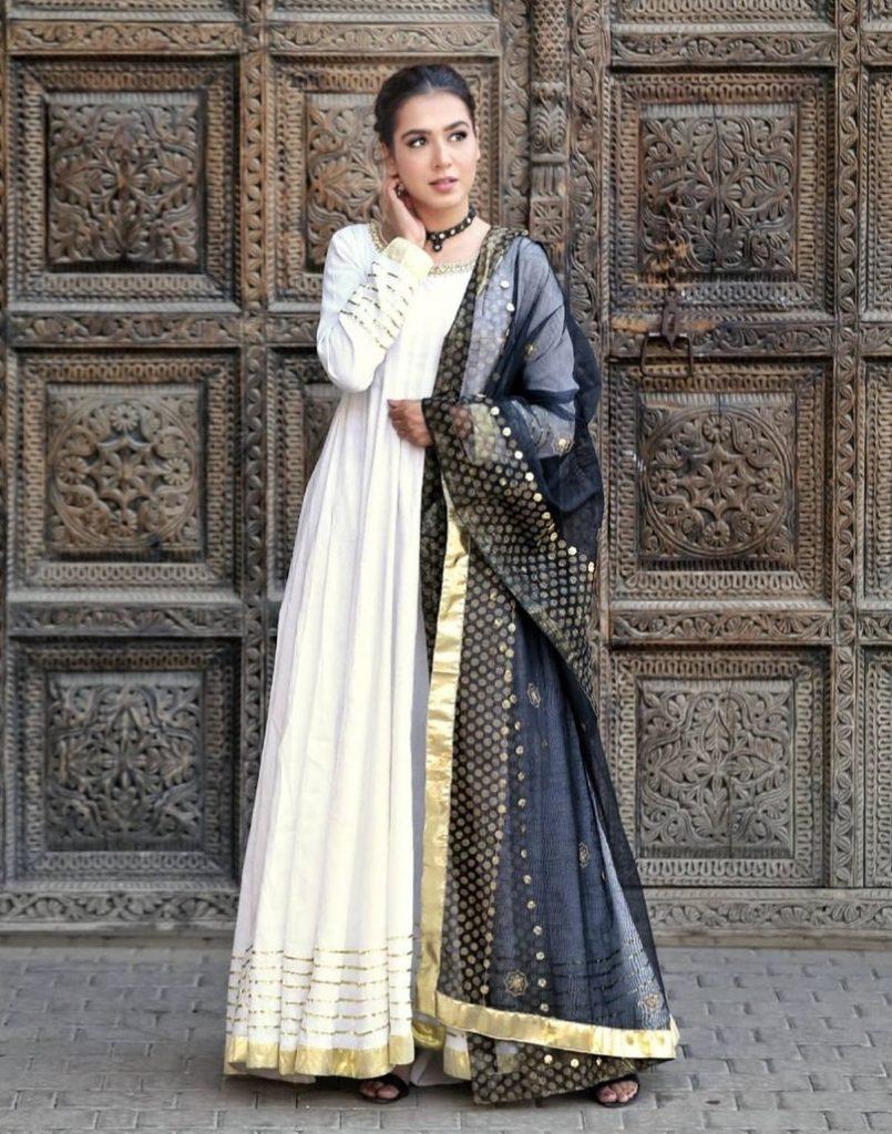 Mansha Pasha Is Unhappy With India Making Movie On Heera Mandi