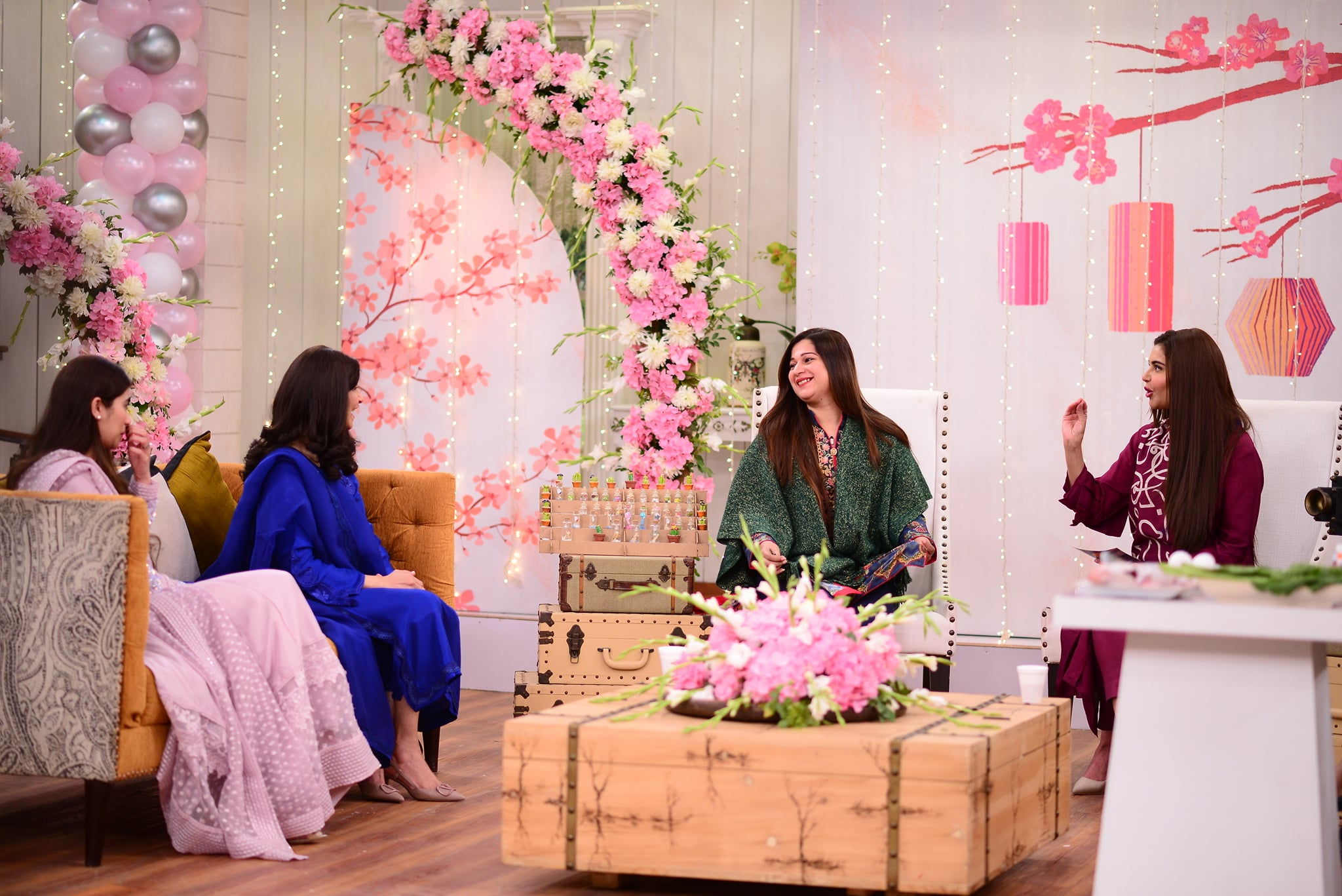 Rubina Ashraf with her Daughter Minna Tariq in Good Morning Pakistan