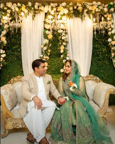 Nadia Khan's Husband Expressed His Love For Nadia In Live Show