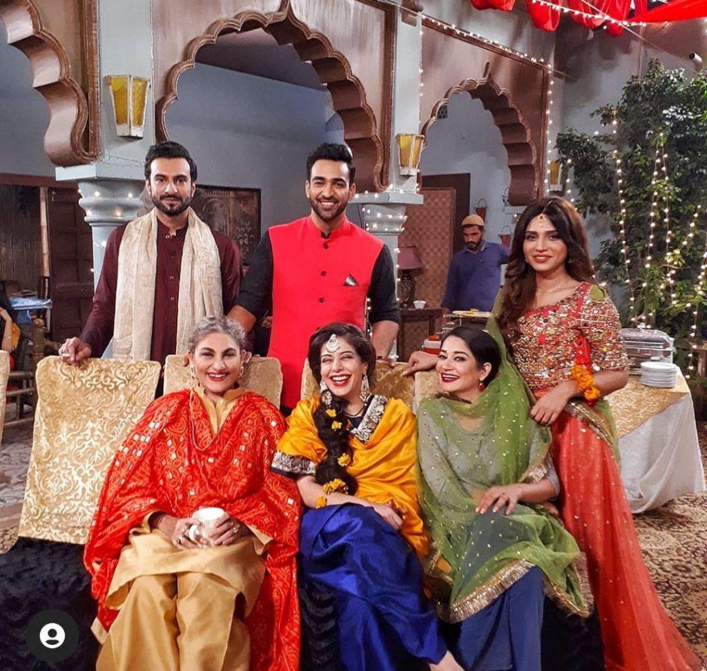 Saba Qamar And Agha Mustafa Hassan BTS Pictures From Manjogi