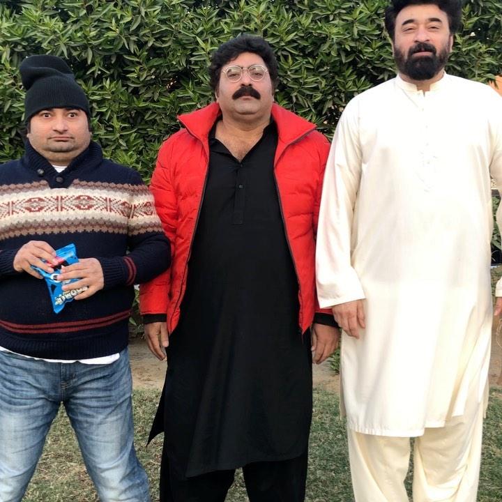Yasir Nawaz Hilariously Copies Ahmed Shah's Video