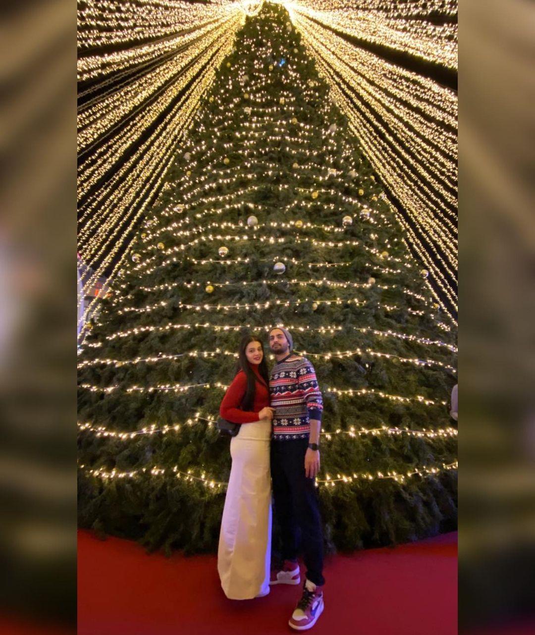 Zara Noor Abbas and Asad Siddiqui in Dubai - Latest Pictures