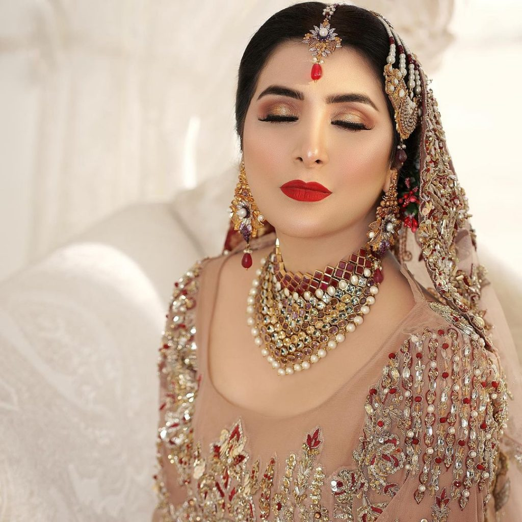 Areeba Habib Looks Ravishing In Her Latest Bridal Shoot