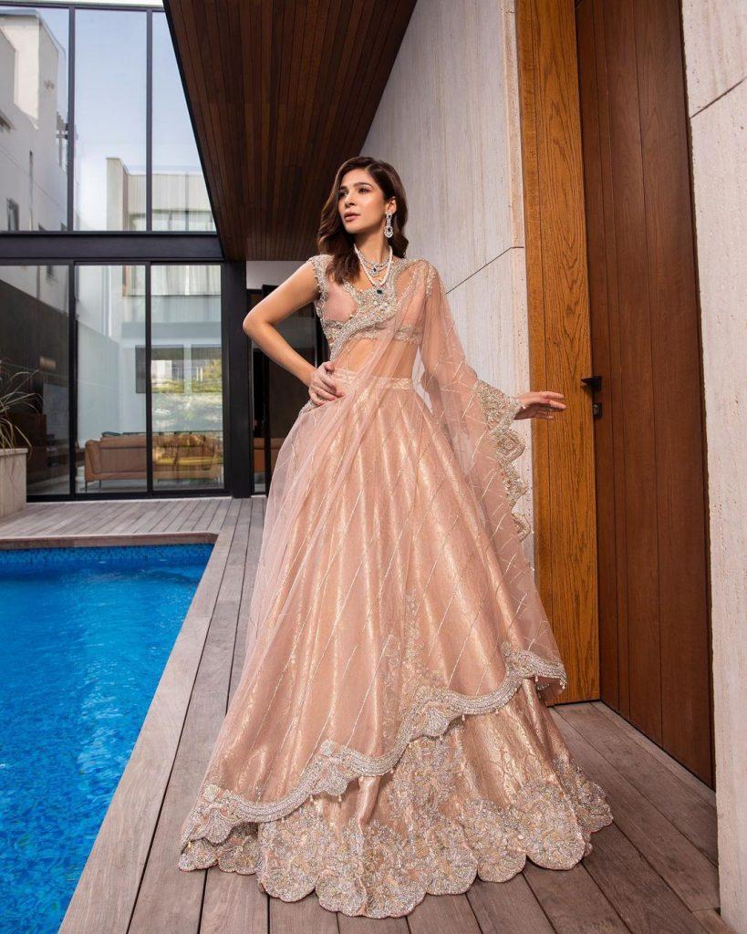 Ayesha Omar Stuns In Saira Shakira's Couture