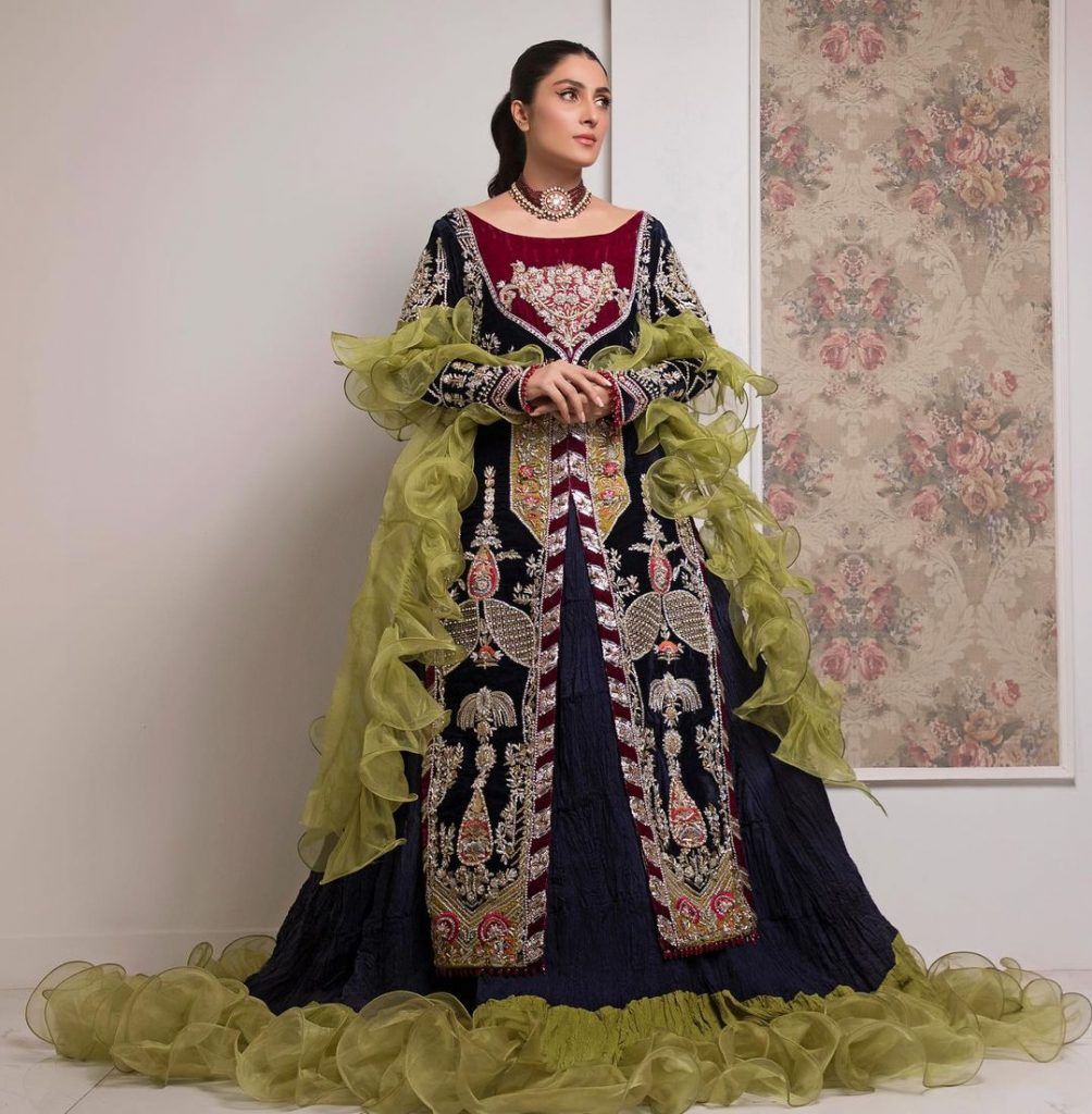 Ayeza Khan Stuns In Gorgeous Ruffled Outfit