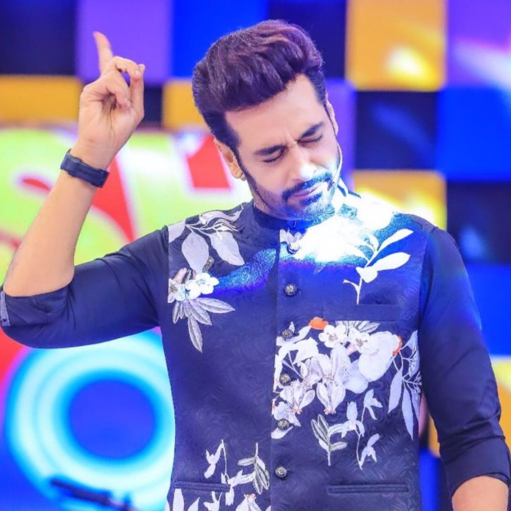 Latest Best Candid Photos of Faysal Qureshi That Will Steal Your Heart