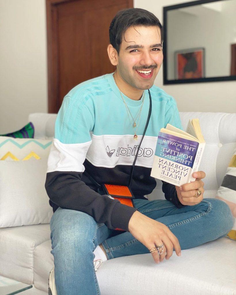 Fashion Designer Hussain Rehar Flaunting His Handbag collection