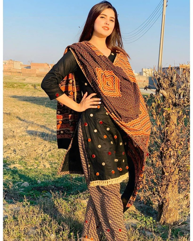 Kanwal Aftab and Her Unique Dress Variety in Black Color | Check Out