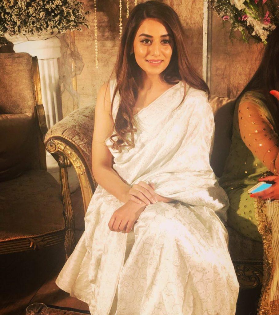 'Log Kiya Kahen Gay' Famed Actress Kinza Razzak Beautiful Pictures