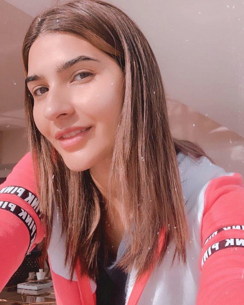 Hottest Candid Photos of Model Kiran Malik