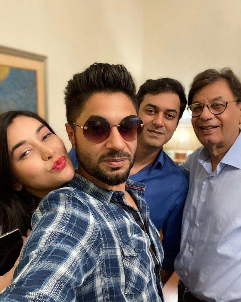 Beautiful Family Pictures Of Komal Rizvi