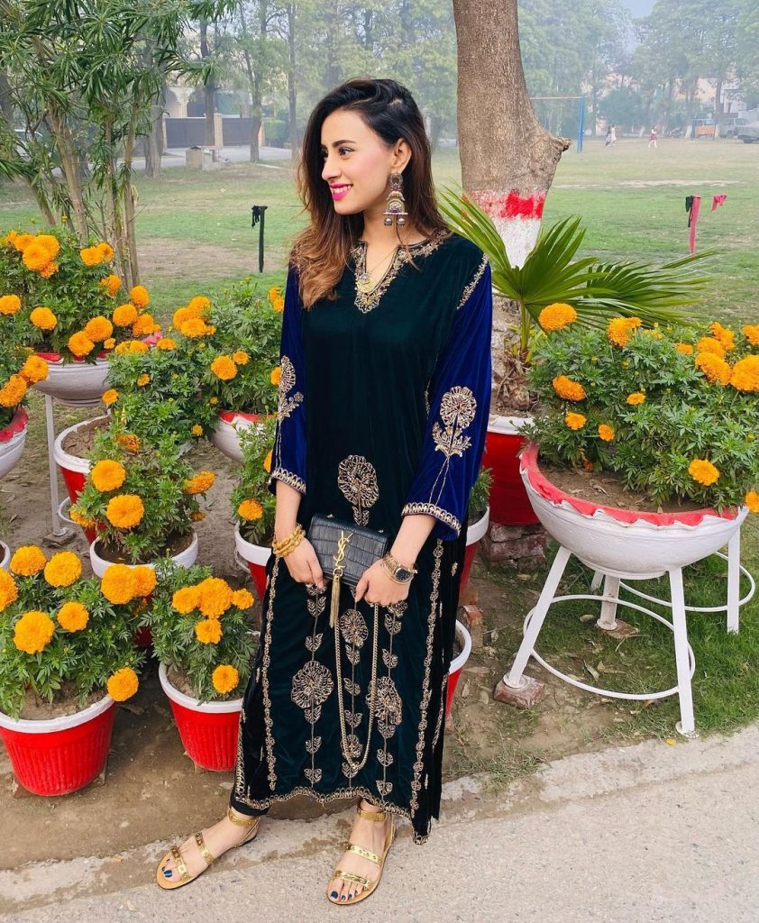 Madiha Naqvi Beautiful Pictures