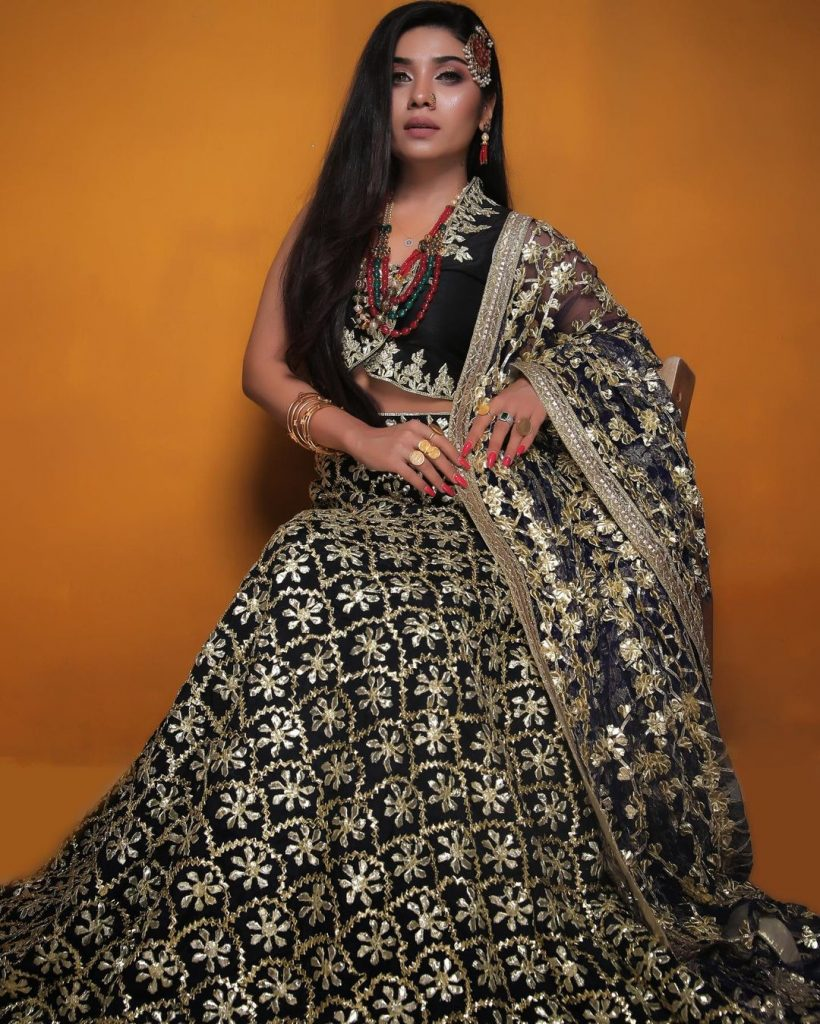 Mahi Baloch Sizzles In Her Latest Bridal Shoot