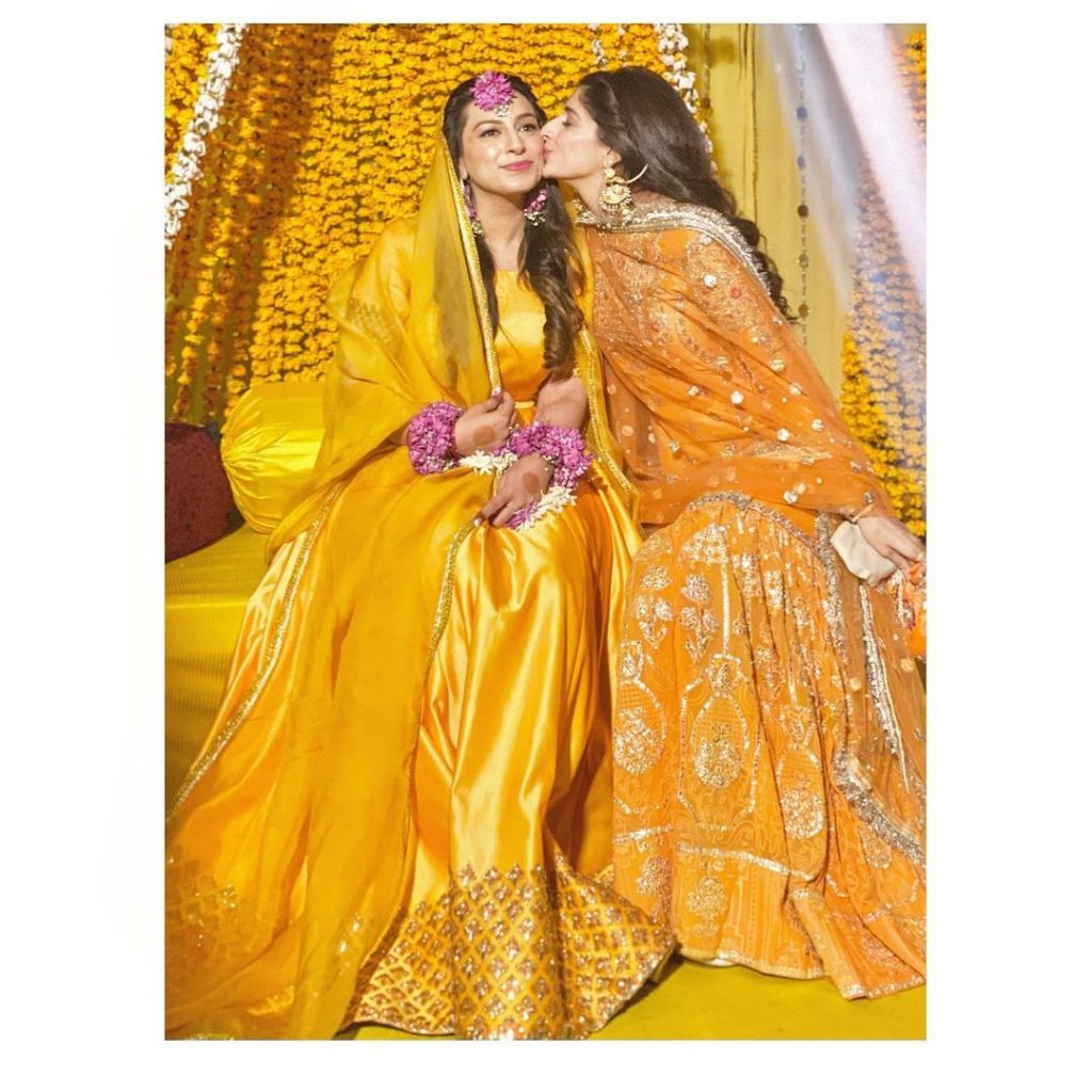Mawra Hocane Looked Ravishing At Her Friend's Mayoun