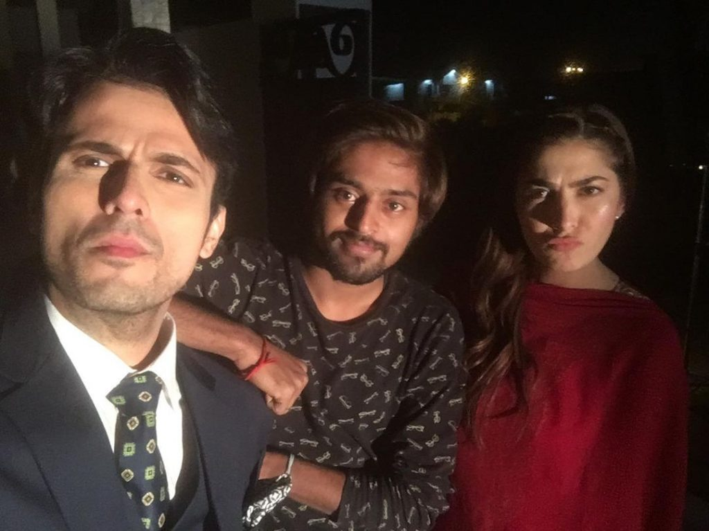 Usman Mukhtar is Quite A Fun On The Sets