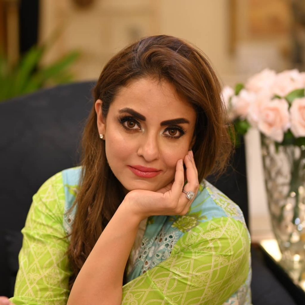 Did Nadia Khan Really Get An Offer From Bollywood?