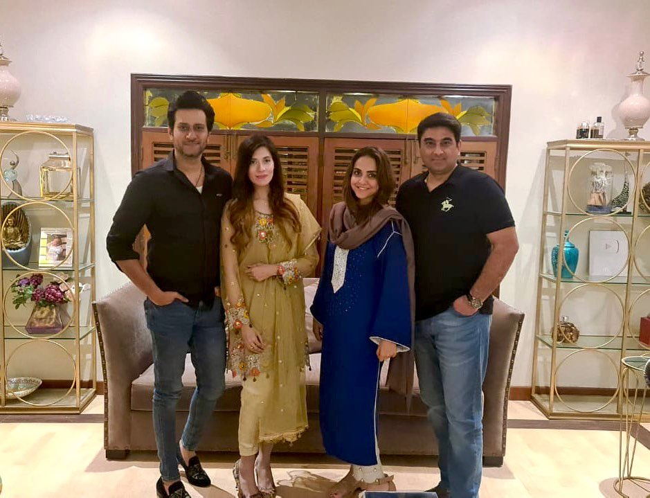 Nadia Khan Spotted At Dr Wajahat's Wedding Anniversary