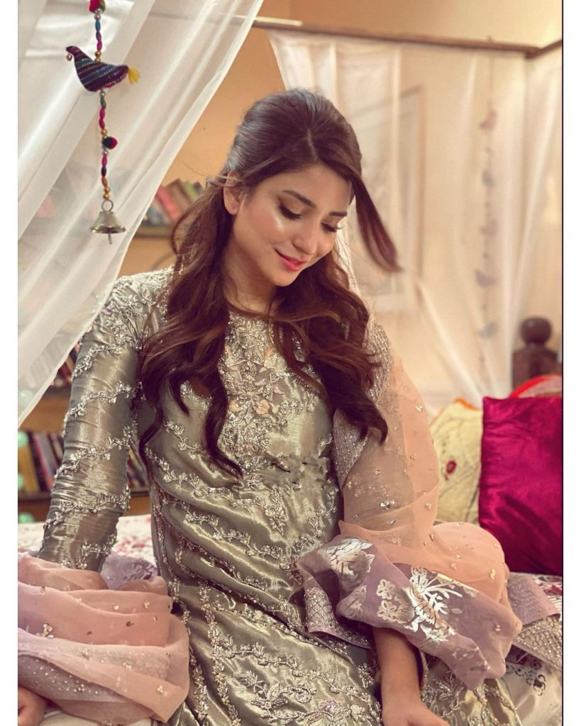 Casual Photos of Ramsha Khan at Her Home