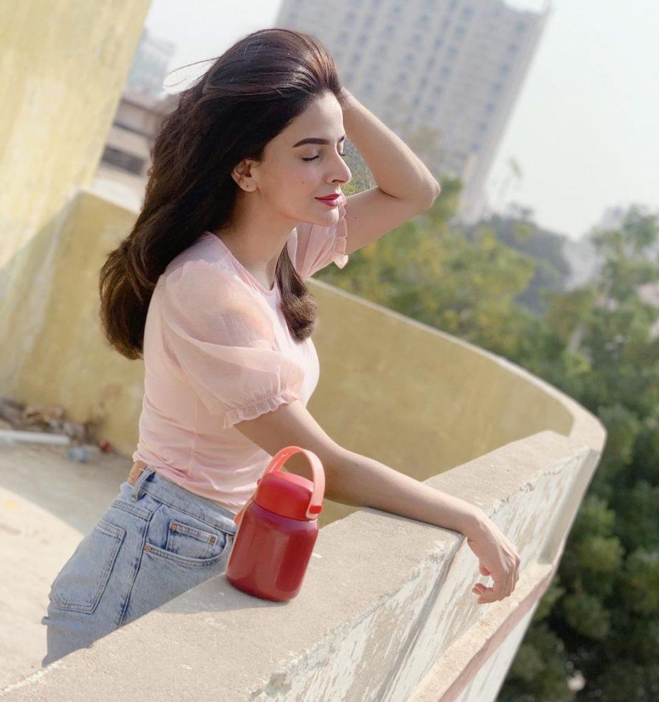 Saba Qamar Effortlessly Flaunting Red Lip Color