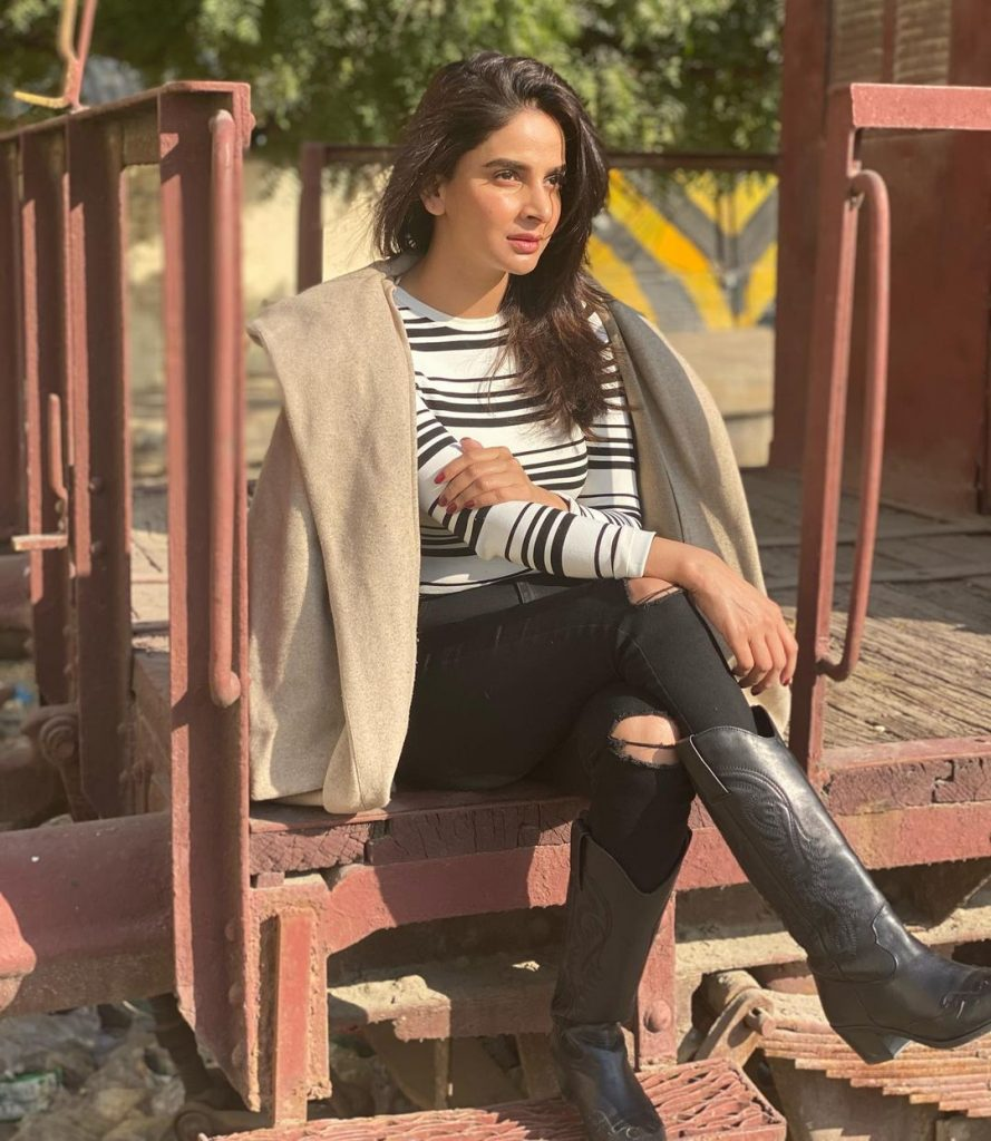 Hottest Pictures of Saba Qamar In Monochrome Colors