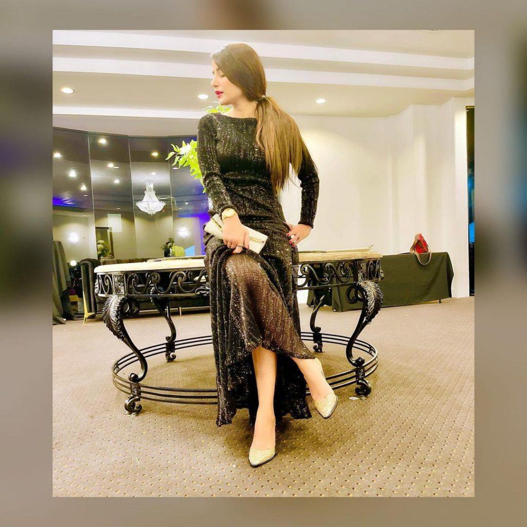 Latest Ravishing Pictures of Saniya Shamshad