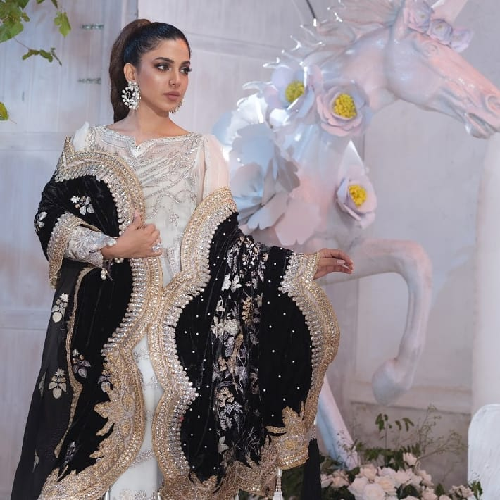 Latest Collection Of Shiza Hassan Featuring Sonya Hussyn